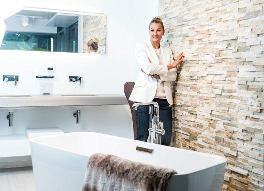 Franziska van Almsick ist vom Bad begeistert